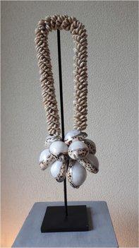 Schelpenketting collier big white