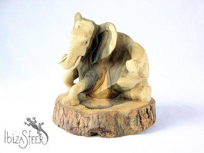 Olifant houtsnijwerk B