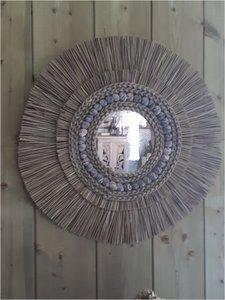 zeegras spiegel met schelpen