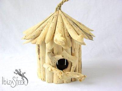 Vogelhuisje drijfhout rond